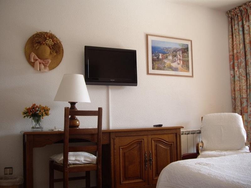 Hotel Avec Piscine A Bormes Hotel Les Palmiers 3 Etoiles Bormes